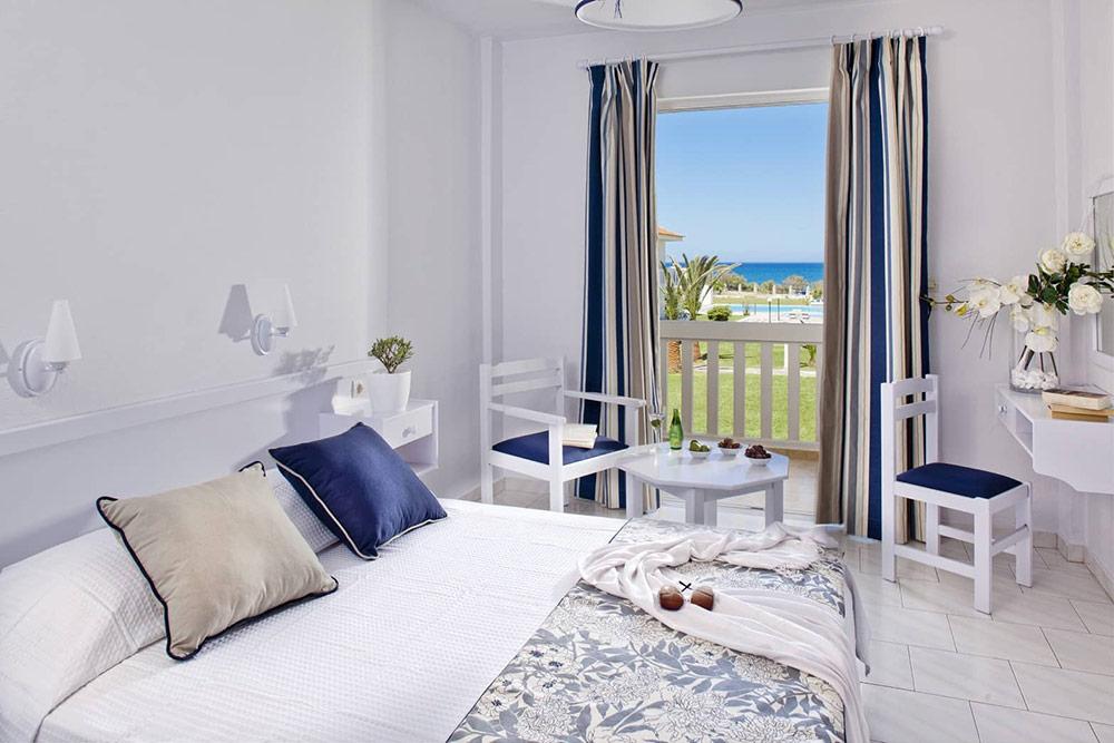 Information und Angebote zum Hotel Mrs Chryssana Beach in Kolimbari. Bewertungen und Fotos