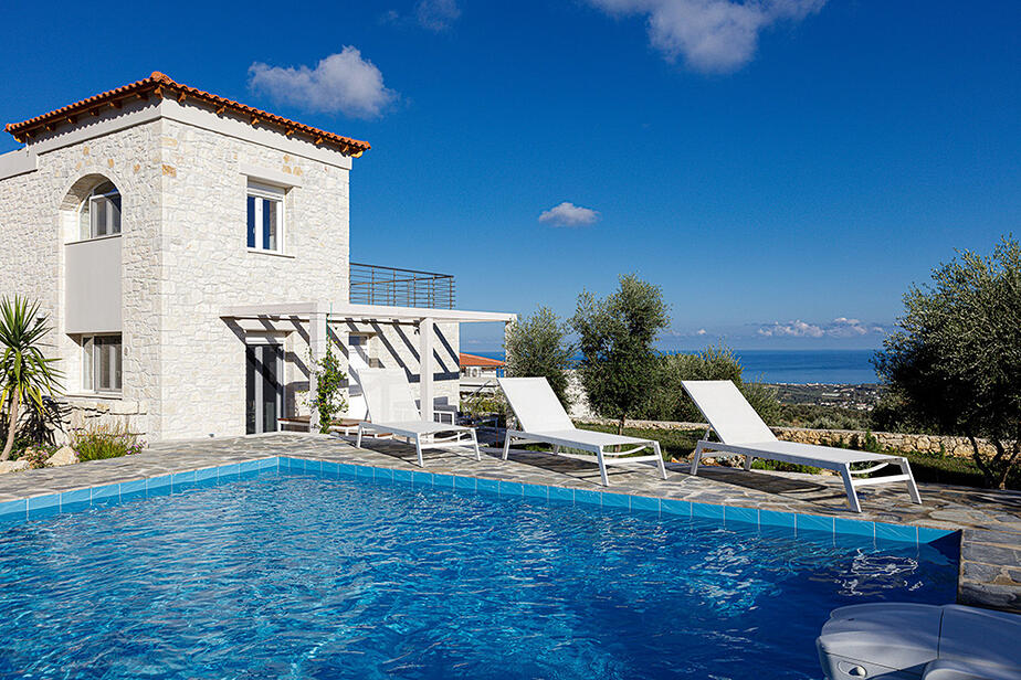 Villa Eos Rethymnon. Moderes Ferienhaus mit Pool