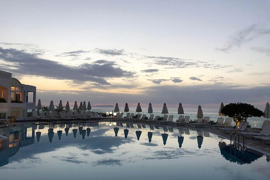 Hotel Maritimo Beach